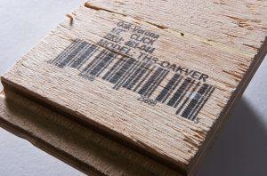 Znakowanie-paneli-drewnianych